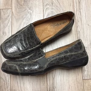 "Naturalizer Grey ""reptile"" slip on flats"